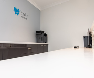 Smile-Visions-Dental-Fitout-Build-Surgery-refurbishment-new-practice-sydney-cassins-reception-desk